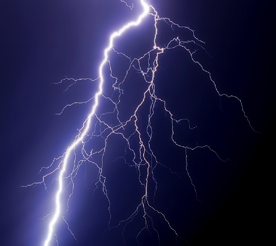 Flash Nature Wallpaper Photo of a Lightning Bolt