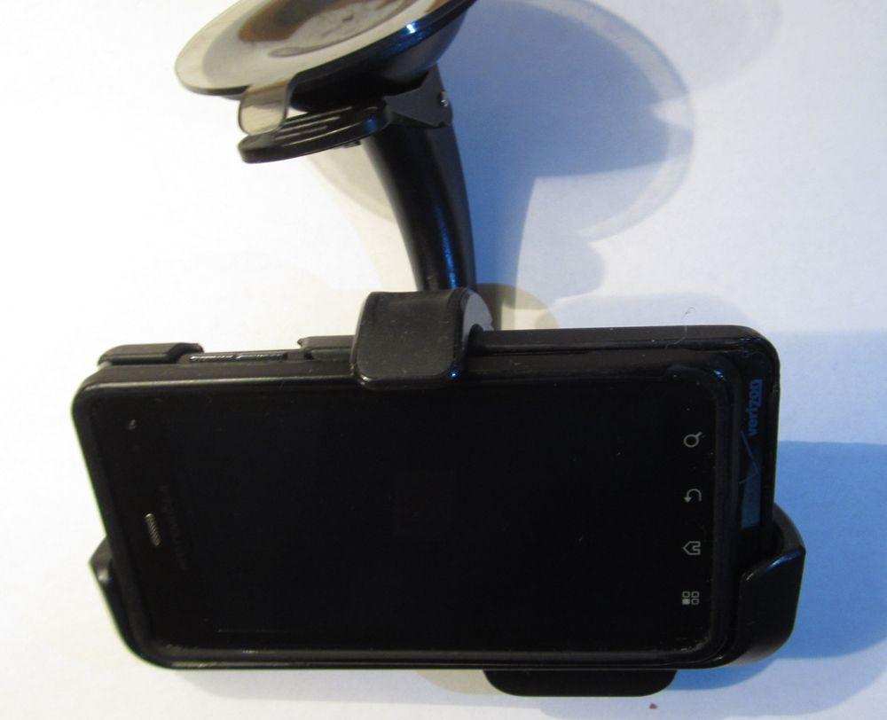 Qmadix in Droid 3 Moto dock - front.JPG